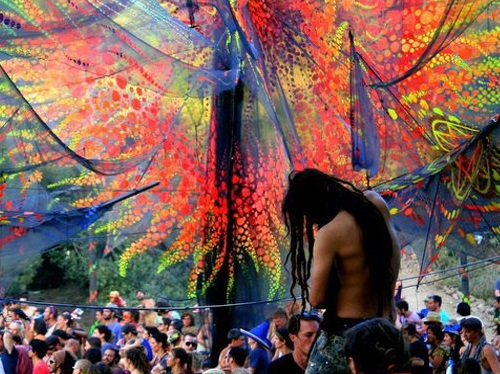 By Global Stomping. 'Tree Of Life Festival - Izmir, Turkey': https://www.flickr.com/photos/globalstomping/13985615574